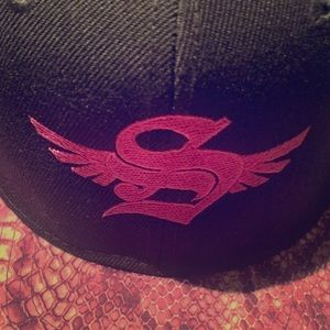 Accessories - Stylish Hat  Snap back  Fits any size men or woman